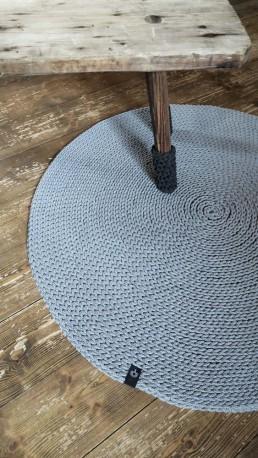 dywan ze sznurka ręcznie dziergany