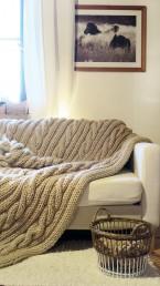 wełniany koc pled dziergany na drutach rękodzieło
