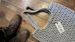 duża torba ze sznurka ręcznie dziergana